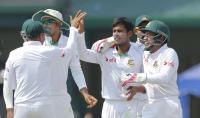 bangladesh-celebrate-wicket